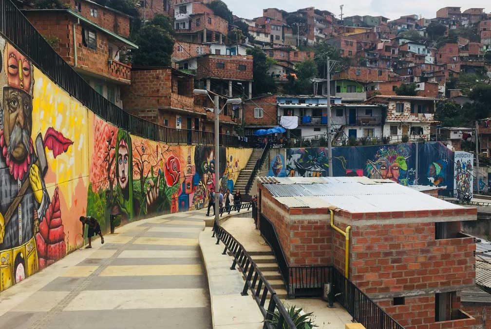 Comuna 13: El simbolo de la transformación de Medellín